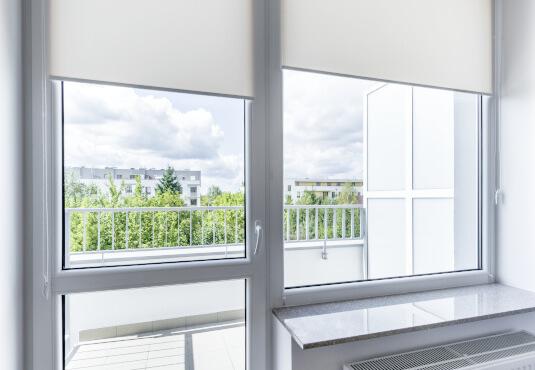Balkontür mit Fenster aus Kunststoff