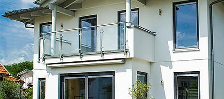 Sicherheit für Balkontüren aus Holz-Alu