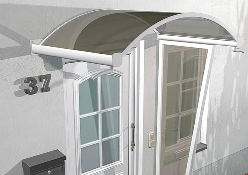 Haustür mit Vordach aus Glas