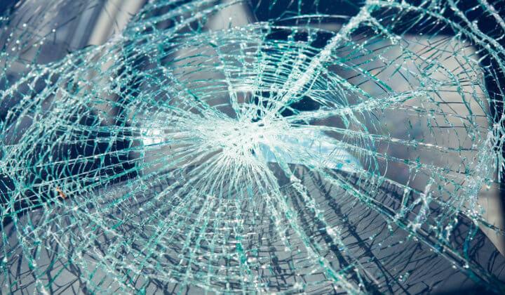 gebrochenes Floatglas