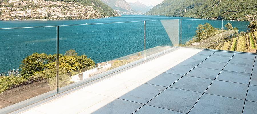 Verglasung mit Klarglas an Terrasse