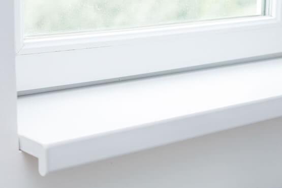 Weiße Fensterbank Einbausituation