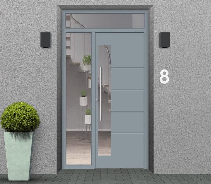 Haustür mit Seitenteil links und Oberlicht
