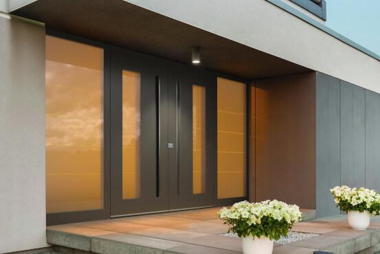 Haustüren weiß ohne glas  Haustür mit Seitenteil rechts / links online konfigurieren