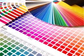 Kunststoff-Alu Fensterfarben