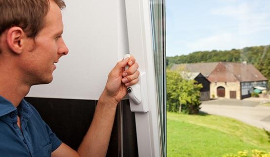 Fenstersicherung mit Alarm Einbausituation