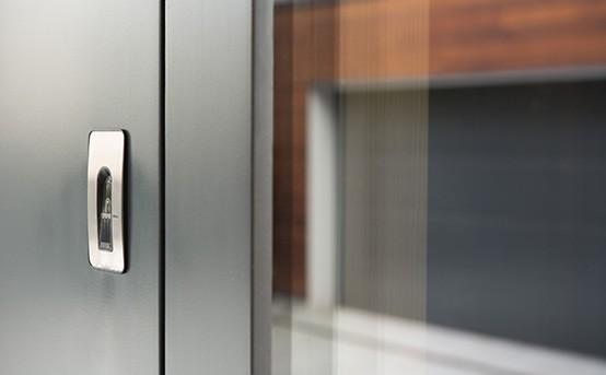 Smart Home Türkontakt mit Fingerscanner