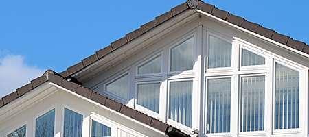 Fenster in Form von Trapez