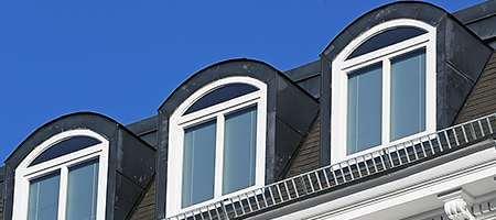 Halbrundes Oberlicht am Dachfenster