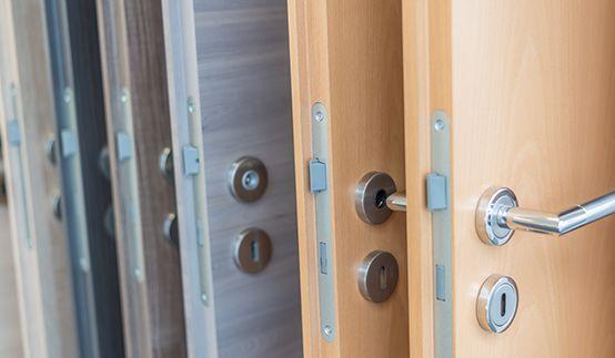 Kellertüren aus Holz