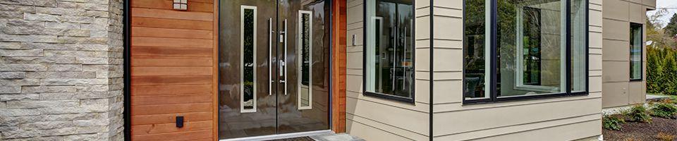 Haustüren mit Klarglas im Eingangsbereich