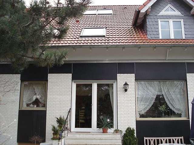 15 Fenster + Haustür + Rollos in Leverkusen