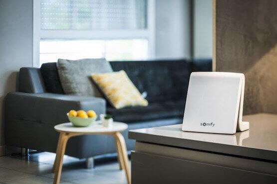 Rolladen automatisch steuern mit Somfy Smart Kit