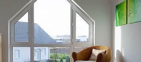 Trapezfenster aus Kunststoff