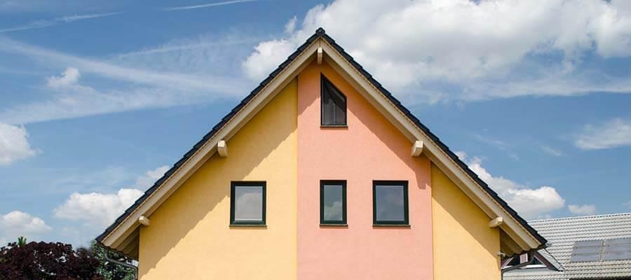 Spitz zulaufendes Schrägfenster