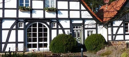 Material für Stichbogenfenster - Aluminium, Kunststoff und Holz