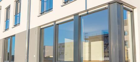 Terrassentür aus Kunststoff-Aluminium