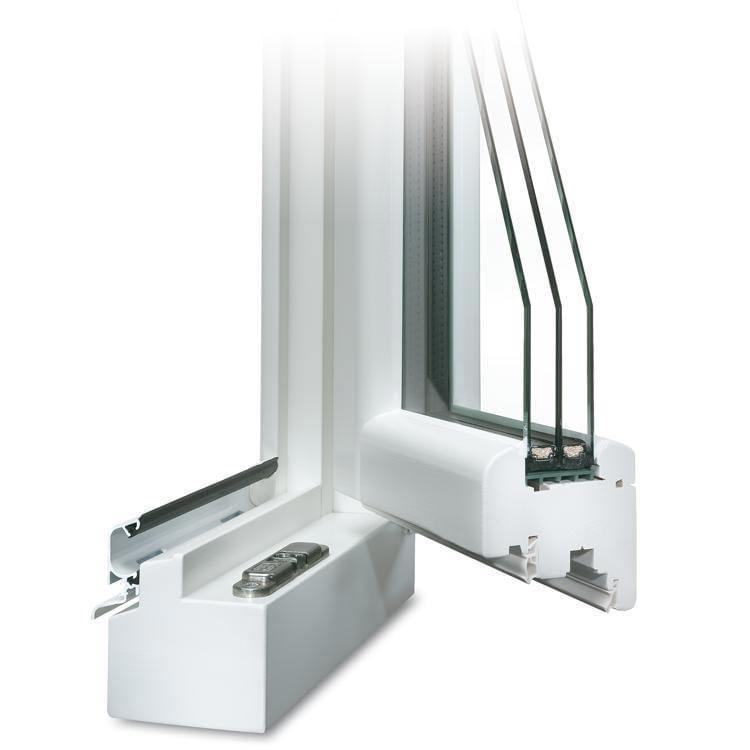 Holzfenster mit Regenschutzschiene in Weiß