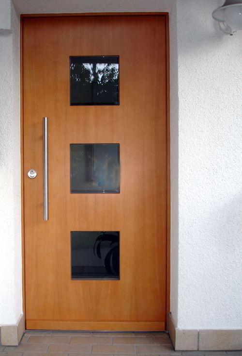 sockelprofile und fl gel berdeckende haust rf llungen kaufen. Black Bedroom Furniture Sets. Home Design Ideas