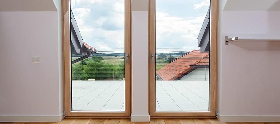 balkont r einstellen so werden balkont ren justiert. Black Bedroom Furniture Sets. Home Design Ideas