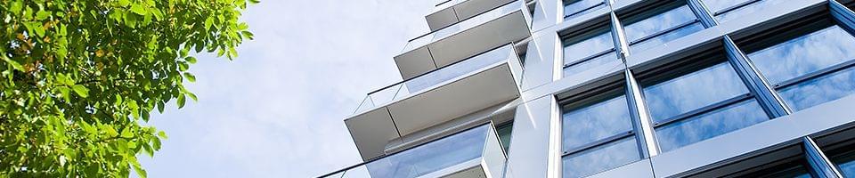 Multifunktionsglas an Hausfassade
